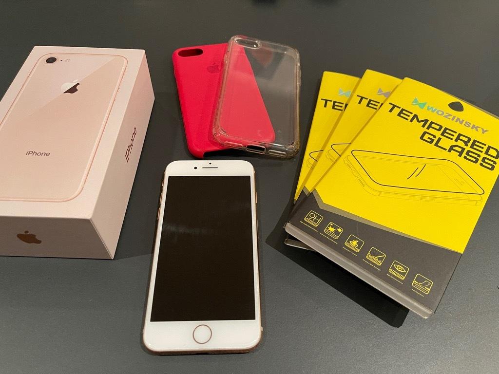 Купить iPhone 8 64GB złoty FV 32% + gratisy на Otpravka - цены и фото - доставка из Польши и стран Европы в Украину.