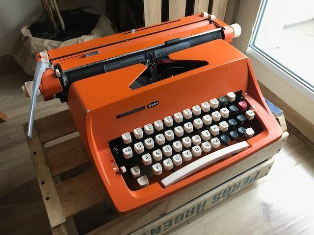Maszyna do pisania CONSUL 2224