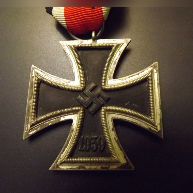 Item Iron cross 1939 II class b status.good, original