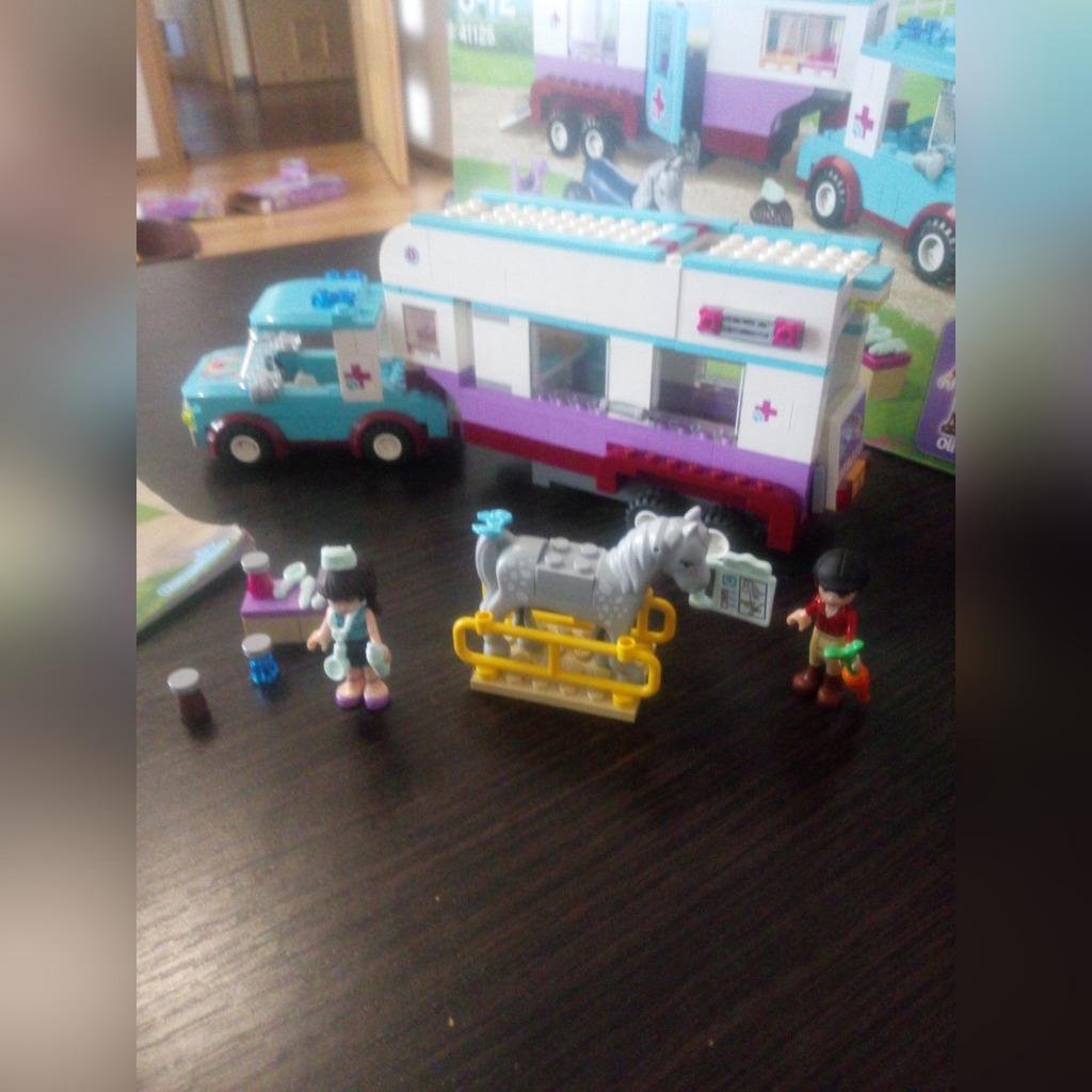 Licytacja Lego friends 41125 Przyczepa lecznicza dla koni