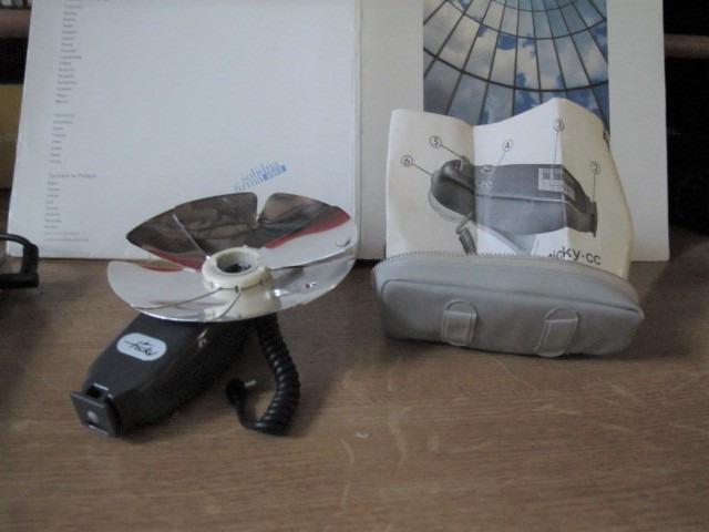 Zabytkowa lampa błyskowa Tikcy-cc