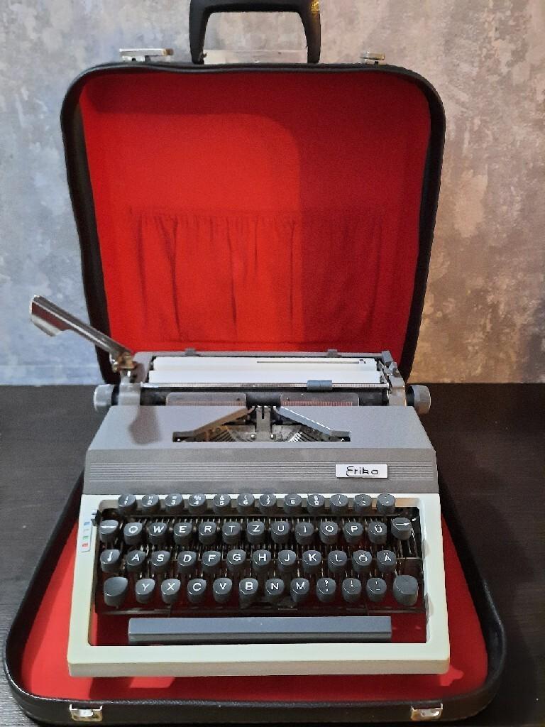 Пишущая машинка Эрики