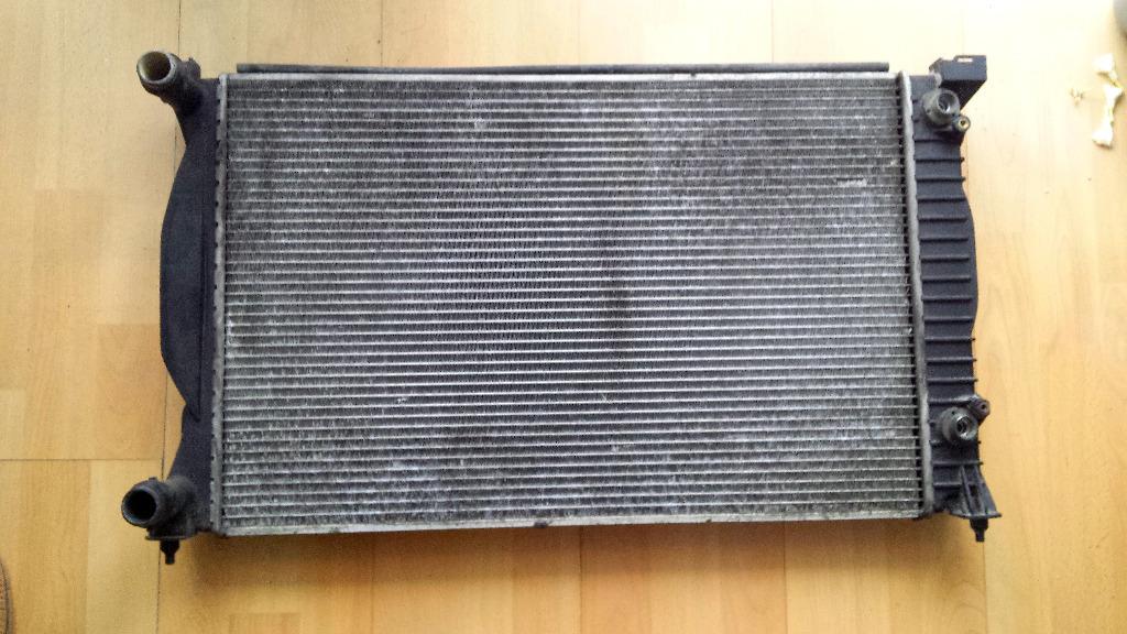 радиатор воды vw  audi  18 t автомат 8e0121251