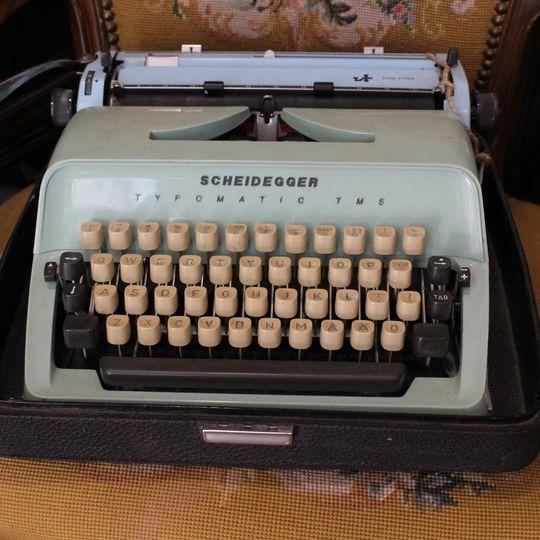 Stara maszyna do pisania vintage miętowa sprawna