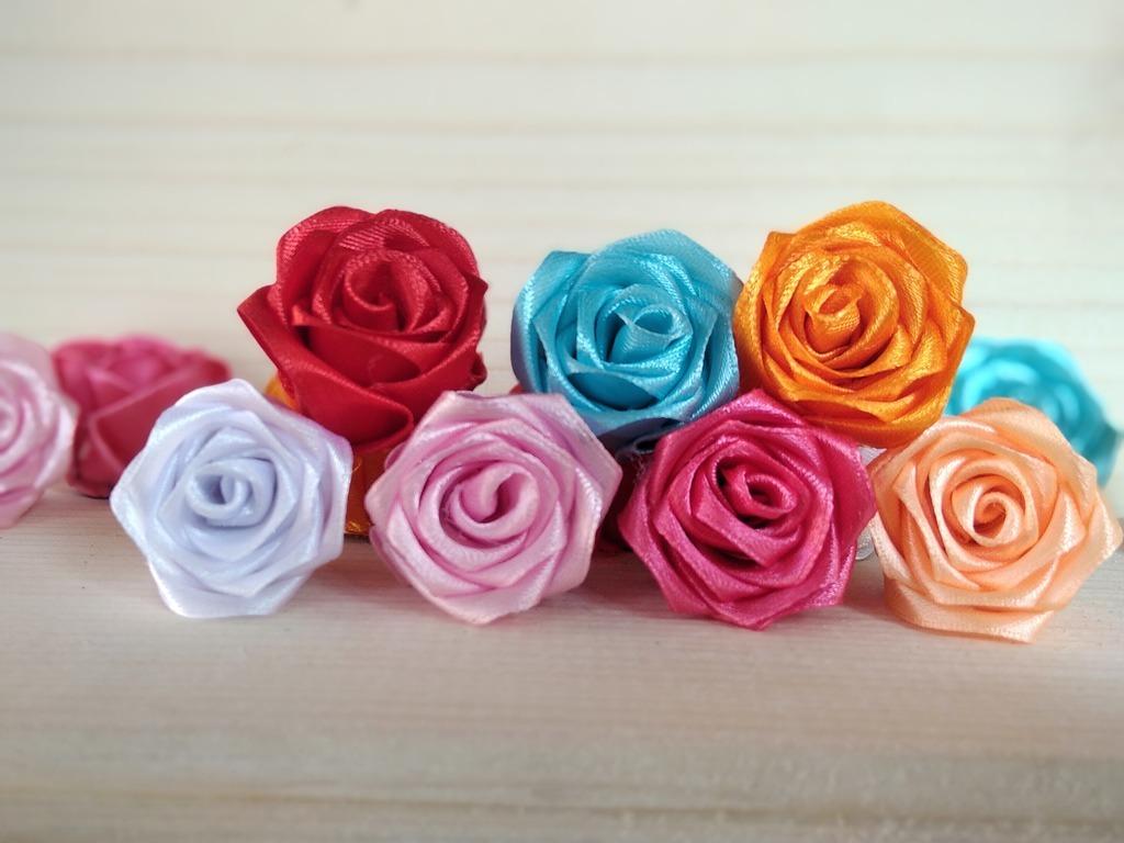 Roze Kwiatki Ze Wstazki Kanzashi Kup Teraz Za 2 50 Zl Barwald Gorny Allegro Lokalnie