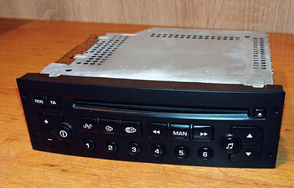 радио cd  peugeot 307 - оригинальные 96489417 xt00
