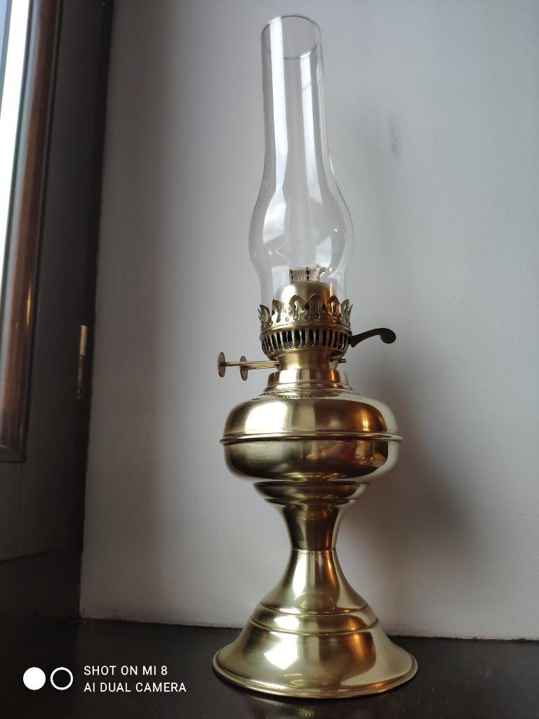 Stara angielska lampa naftowa