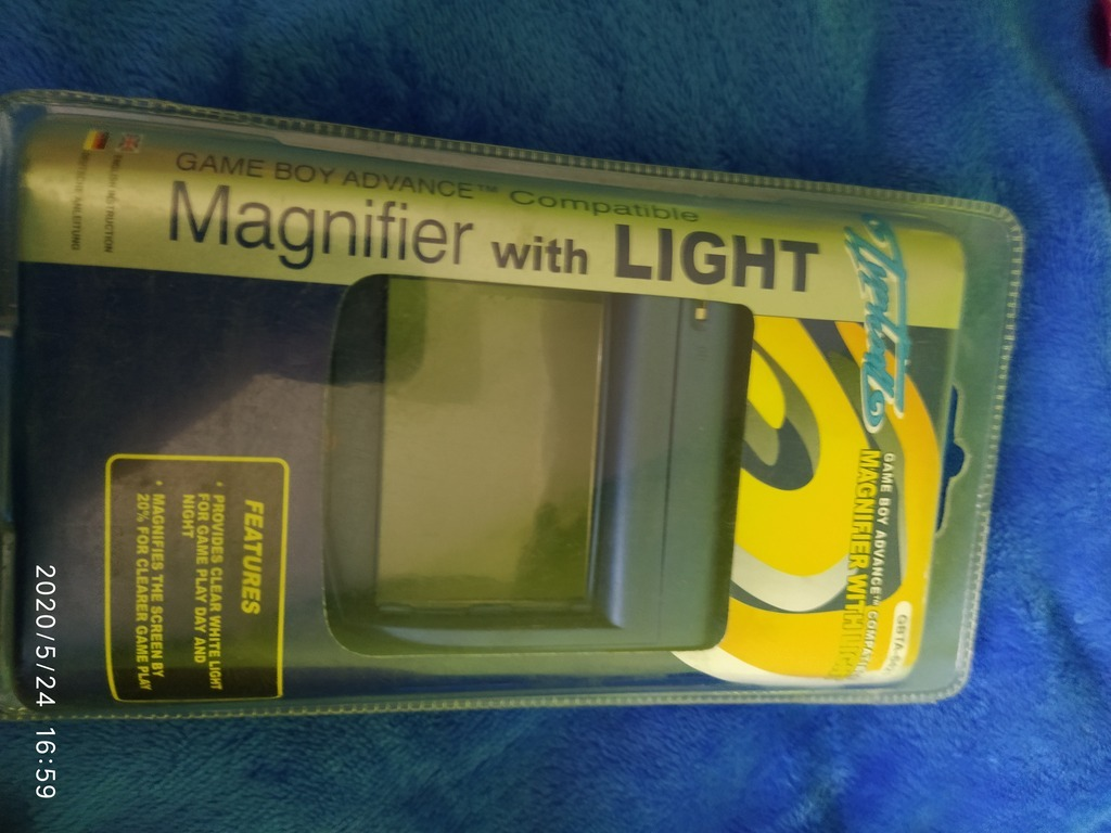 Item Gameboy ADVANCE MAGNIFIER and light