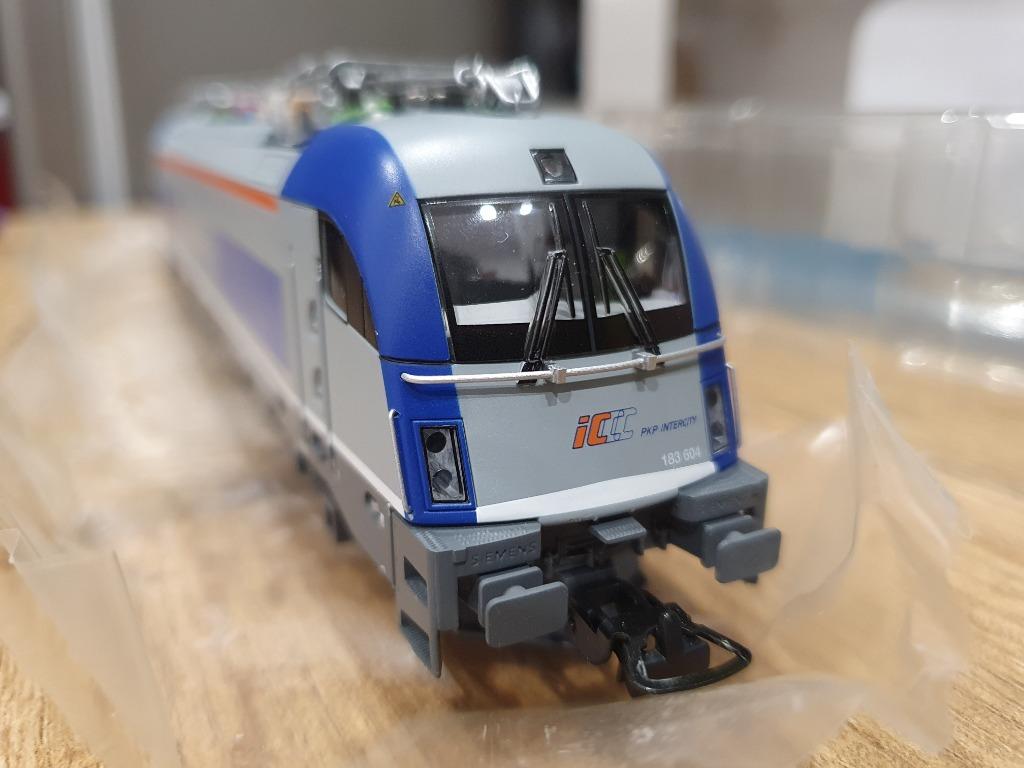 Lokomotywa Husarz Pkp Intercity BR 183 604-8  h0
