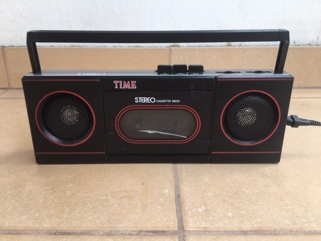 Magnetofon Kasetowy  Przenośny Lata 90 XX wieku