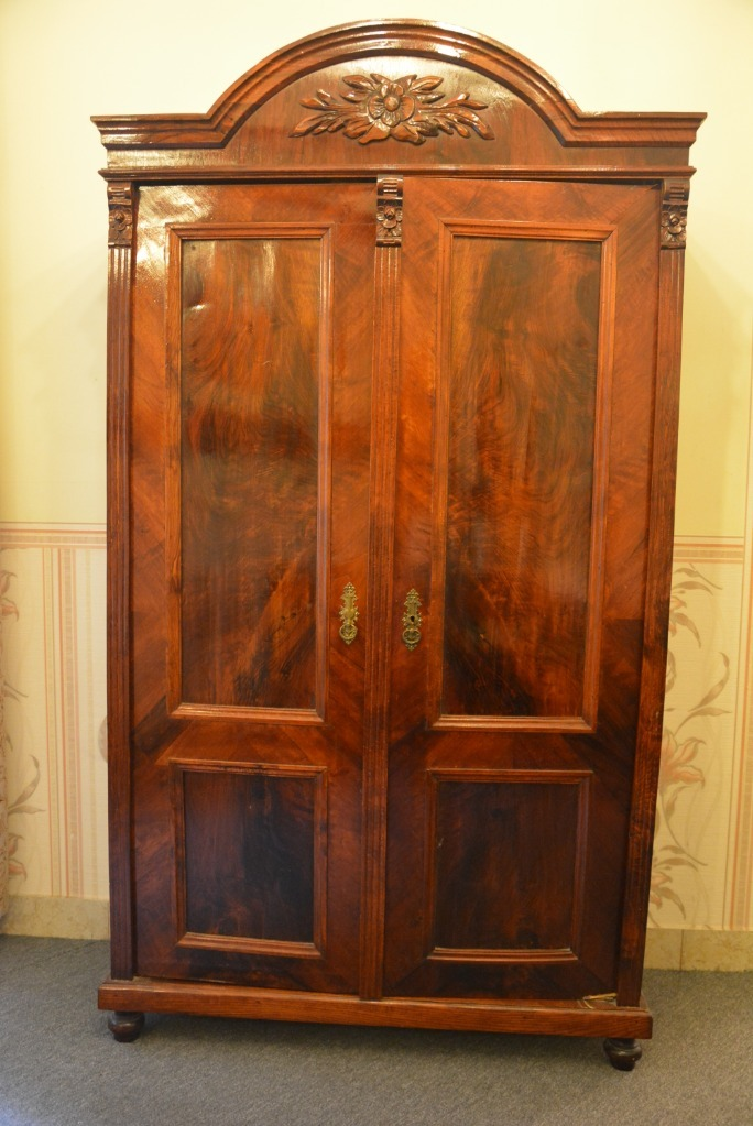 Шкаф двухдверный эклектичный АНТЫК