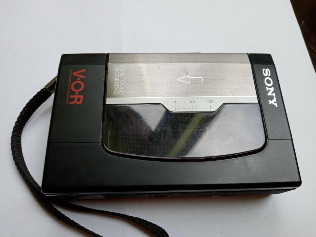 Кассетный магнитофон ЕДИНСТВЕННЫЙ ИДЕАЛ. Sony TCM 34 V. Japa