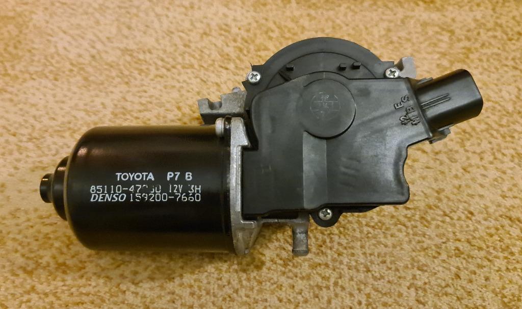 toyota prius 2 03-09 двигатель стеклоочистителя вперед eu