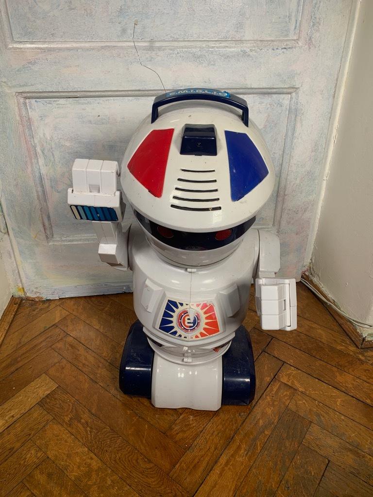 [повреждено] Большой робот-игрушечный Эмилио с дистанционным управлением