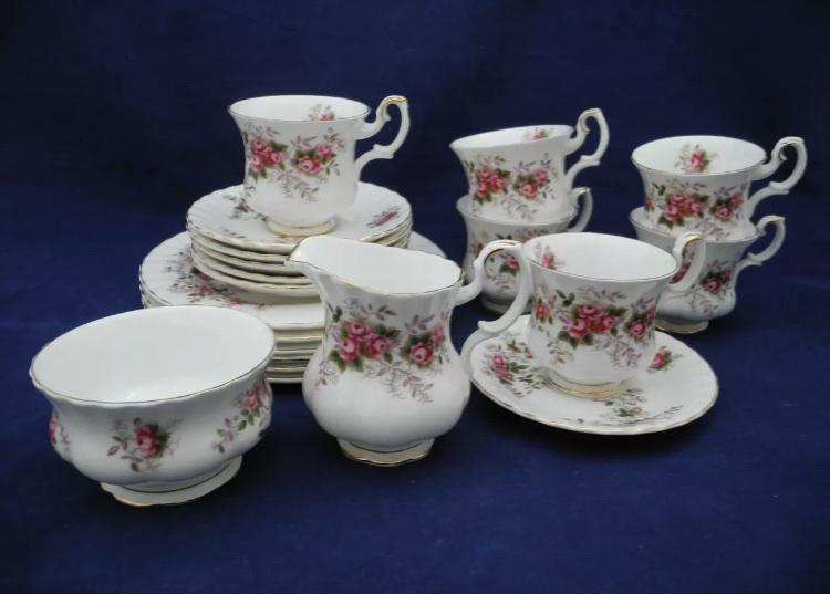 Komplet porcelany śniadaniowej 6os. Royal Albert