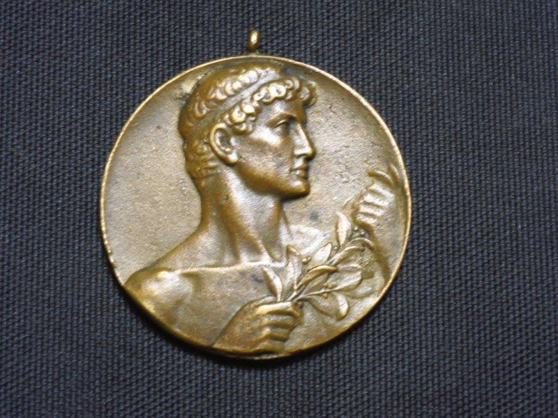 Item Medal - Tennis - Black Asle - 1926