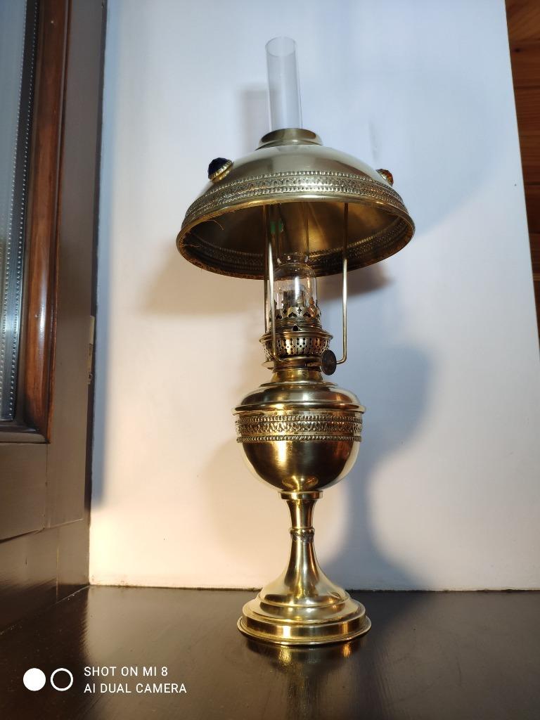Stara duża francuska lampa naftowa