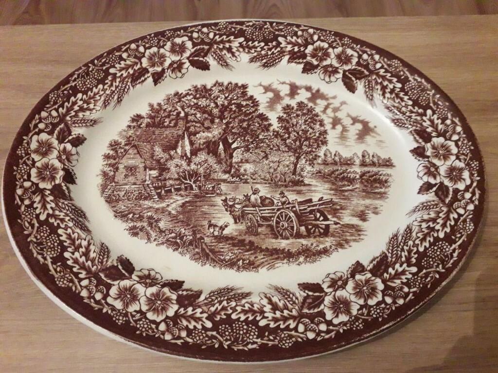 Półmisek z angielskiej porcelany