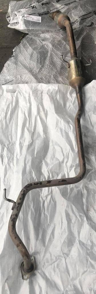 toyota yaris iii гибрид труба глушитель катализатор