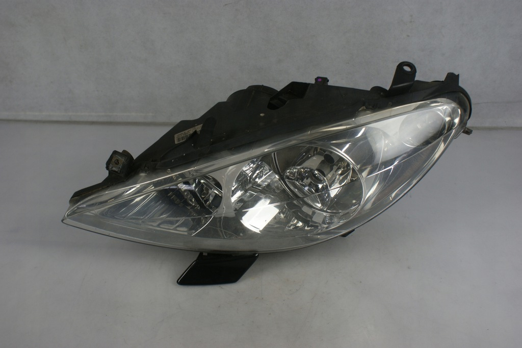 Lampa reflektor lewy przód spryskiwacz 307 EU