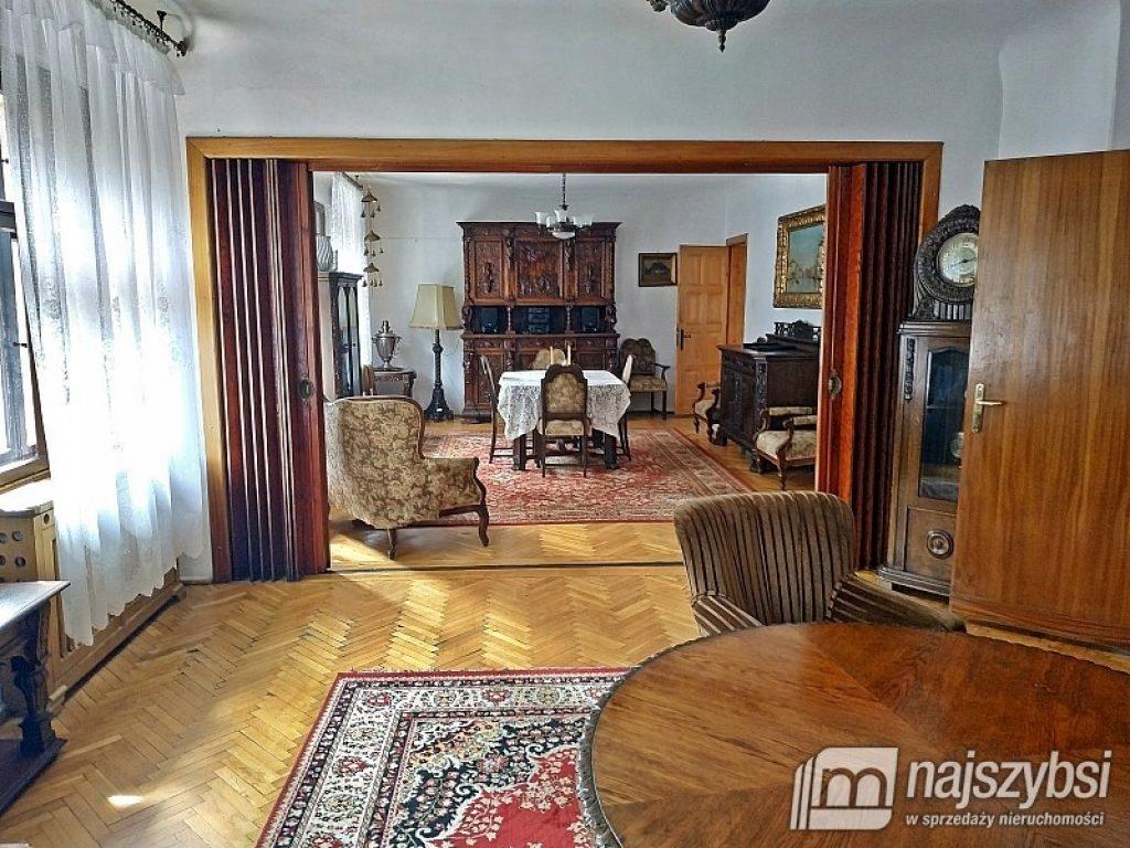 Dom, Darłowo (gm.), Sławieński (pow.), 200 m²