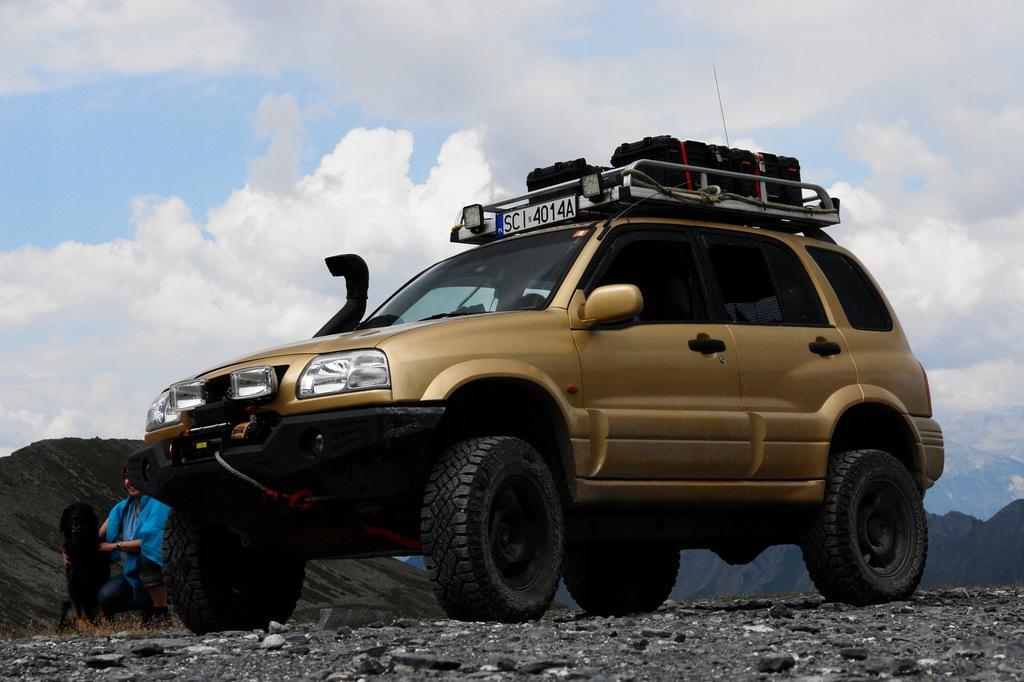 SUZUKI GRAND VITARA I (FT) 2.5 V6 24V 4x4 Opinie i ceny na