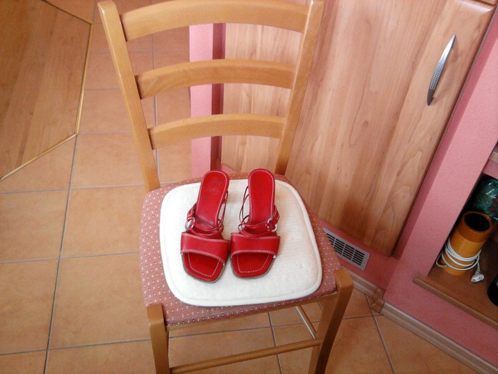 Czerwone klapeczki Shape Ecco -UK5/EU38/24cm !!