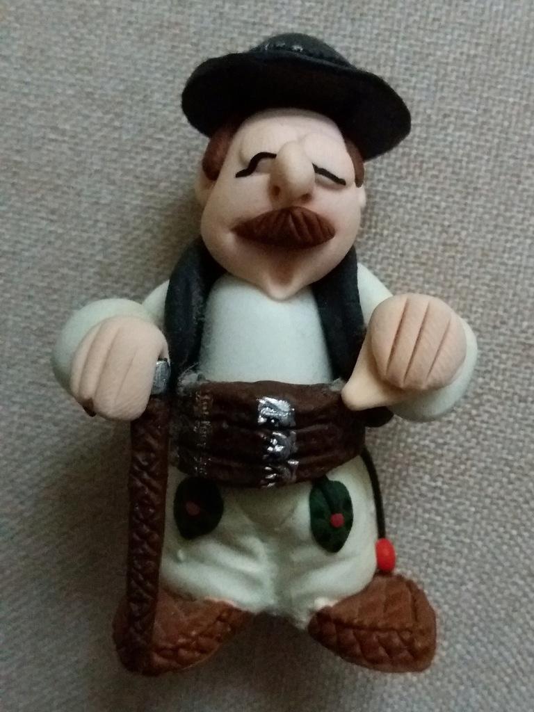 Figurka Modelina Goral Gazda Zakopane Gory 8230997147 Oficjalne Archiwum Allegro