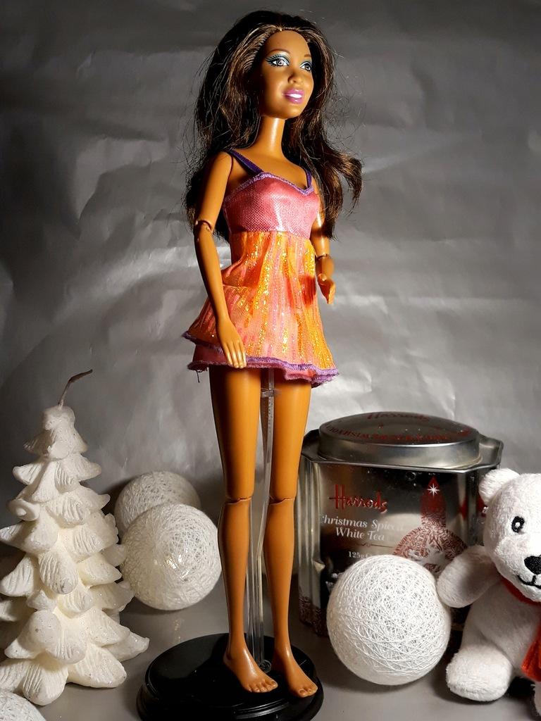 lalka barbie pajacyk Nikki artykułowana Cali