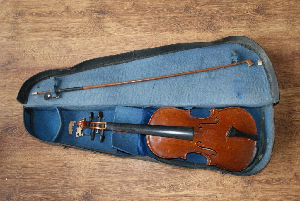 Stare skrzypce. Made in Czechosłovakia.