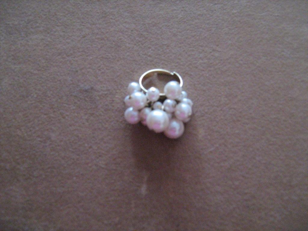 Piękny pierścionek perły