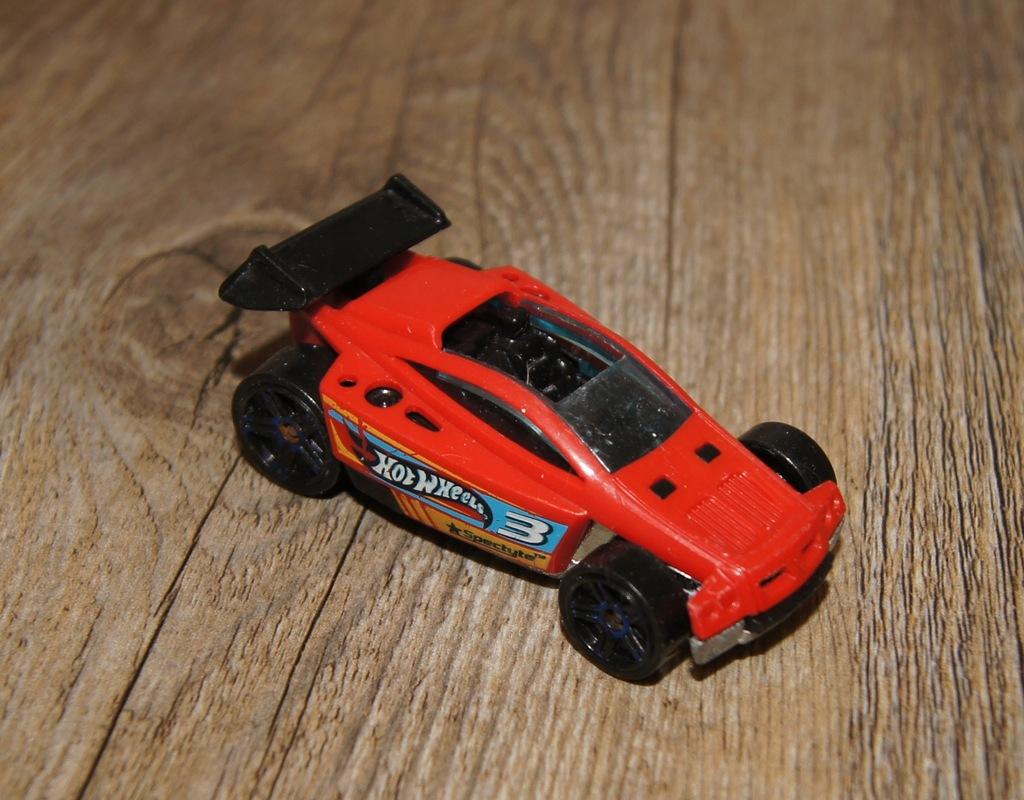 Autko samochod resorak Hot Wheels czerwony