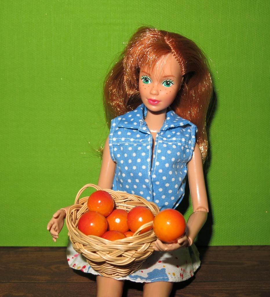 kosz z owocami dla Barbie, do domku dla lalek