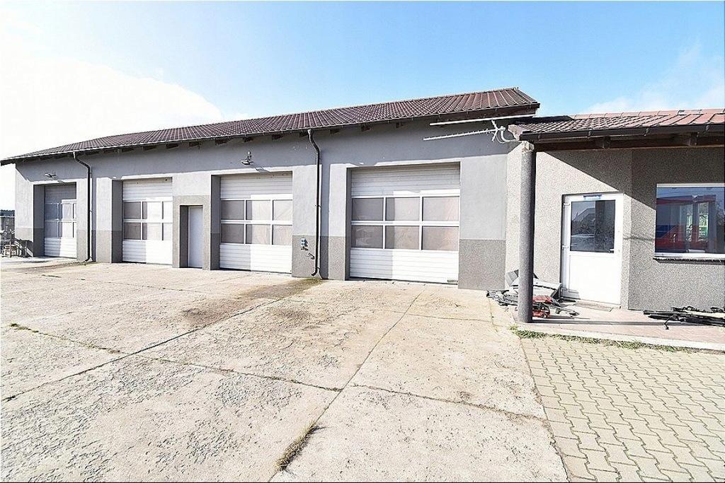 Magazyny i hale, Ciecierzyce, 275 m²