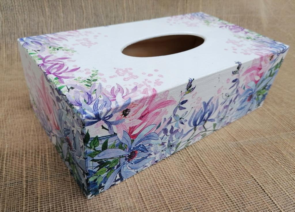 Chustecznik pojemnik chusteczki pastelowe kwiaty