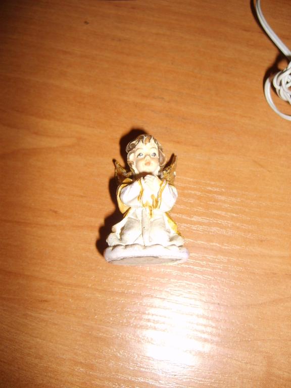 aniołek figurka anioł mały