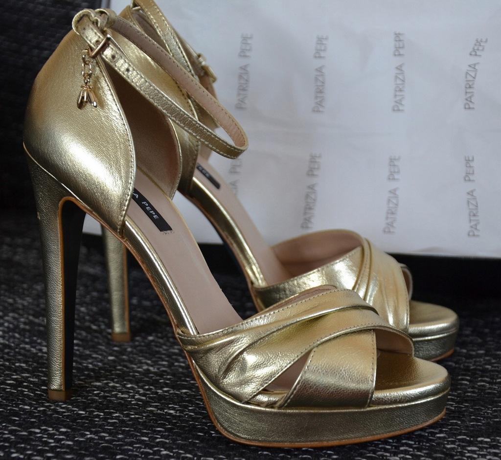 Patrizia Pepe nowe (1190zł) skórzane sandały
