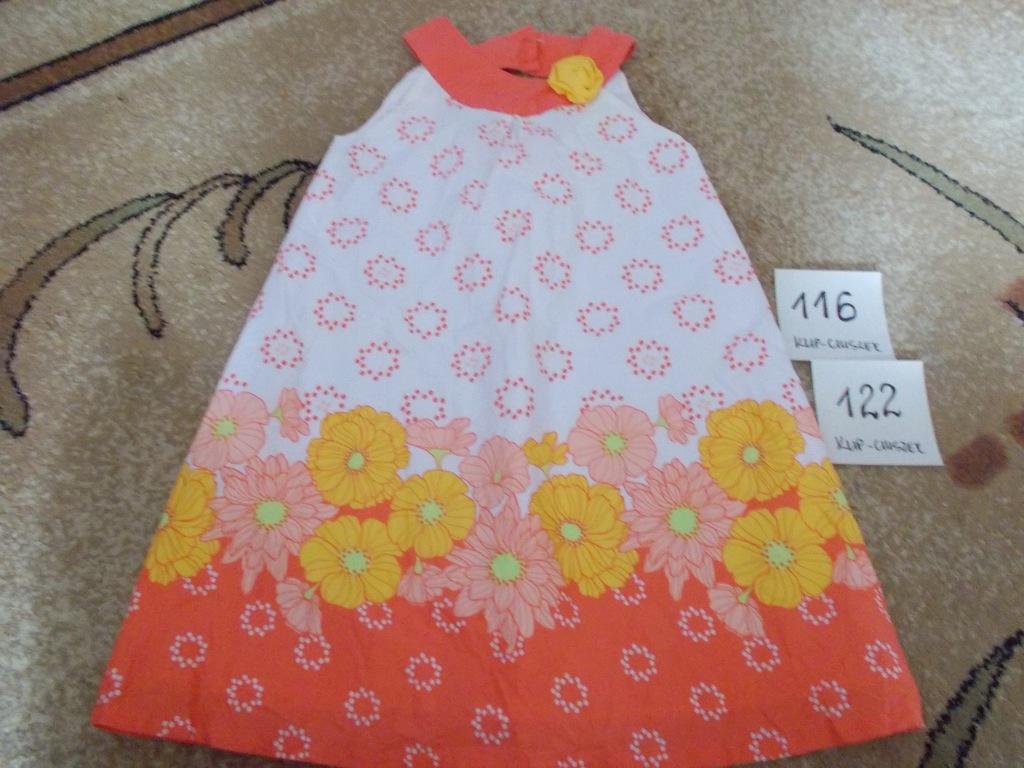 Sukienka w rozmiarze 116/122