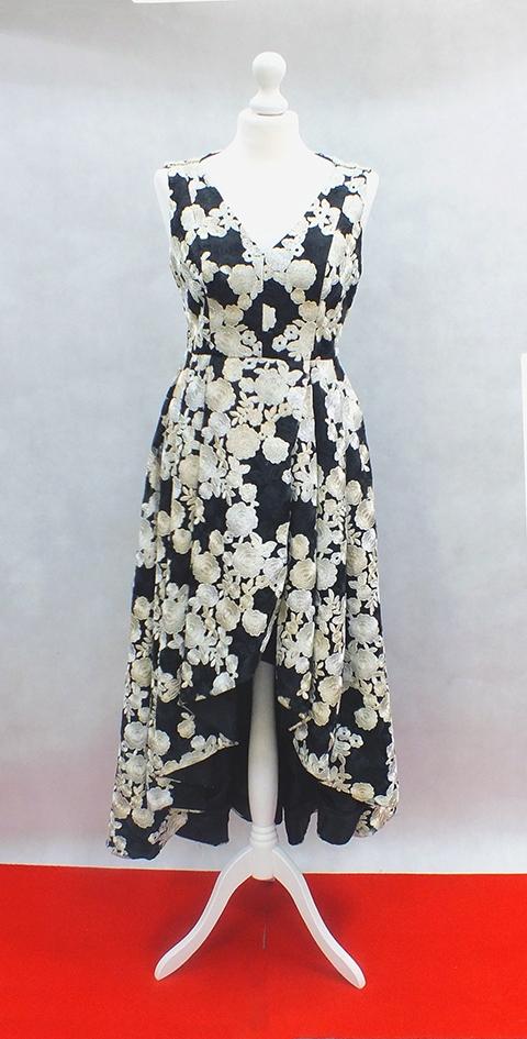 Czarna haftowana sukienka XS --Calvin Klein--