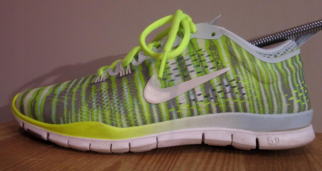 Sportowe buty damskie NIKE FREE 5.0 TR FIT 4 8056804352