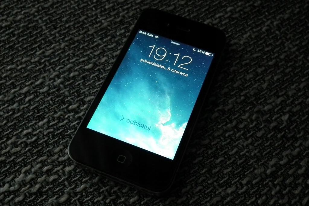 TELEFON APPLE IPHONE 4 A1332 ŁADNY STAN BCM