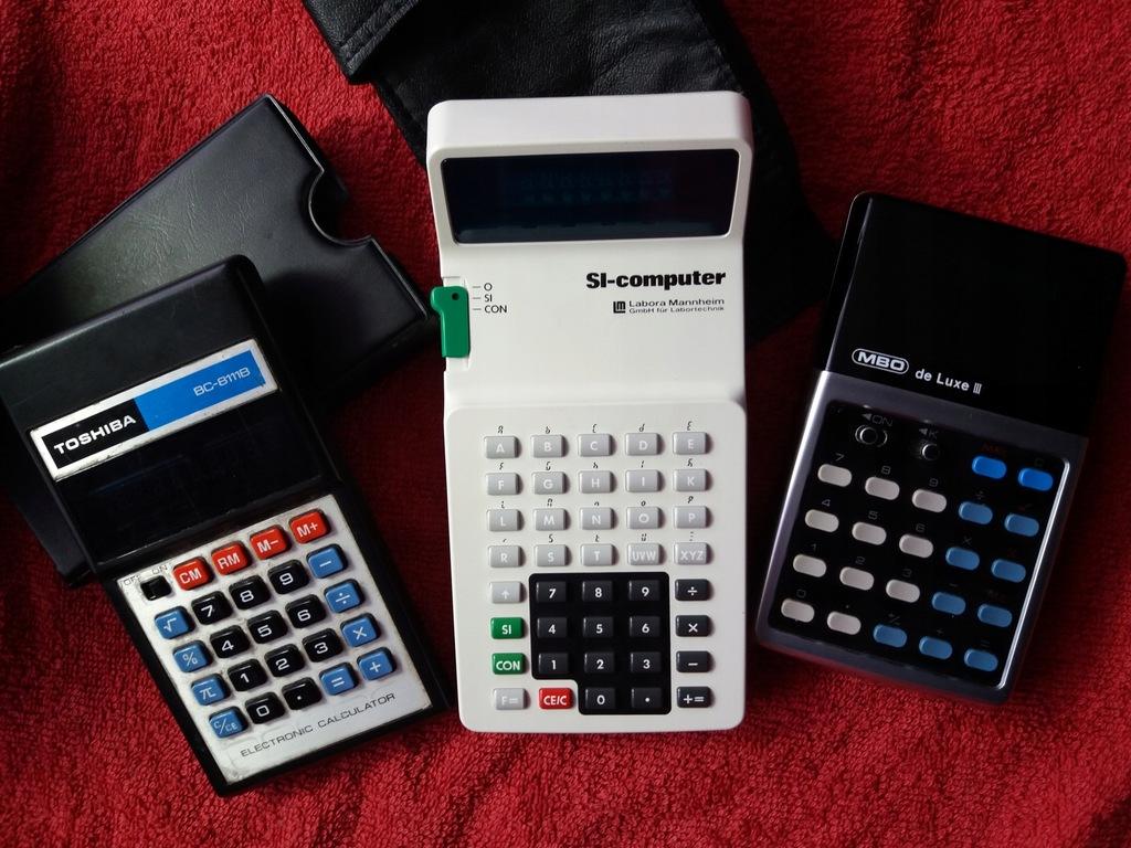 Trzy stare kalkulatory