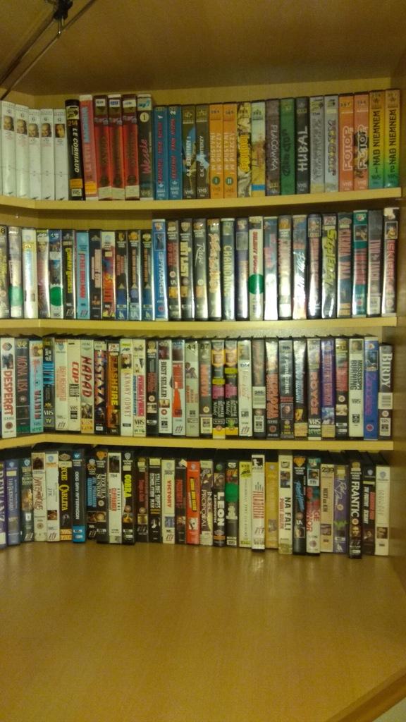 2. Kolekcja kaset VIDEO VHS Pakiet Zestaw 720 szt.