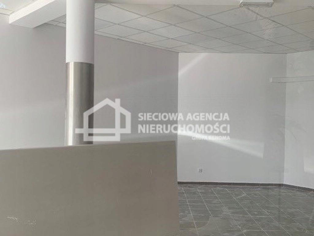Komercyjne, Kiełpino, Kartuzy (gm.), 48 m²
