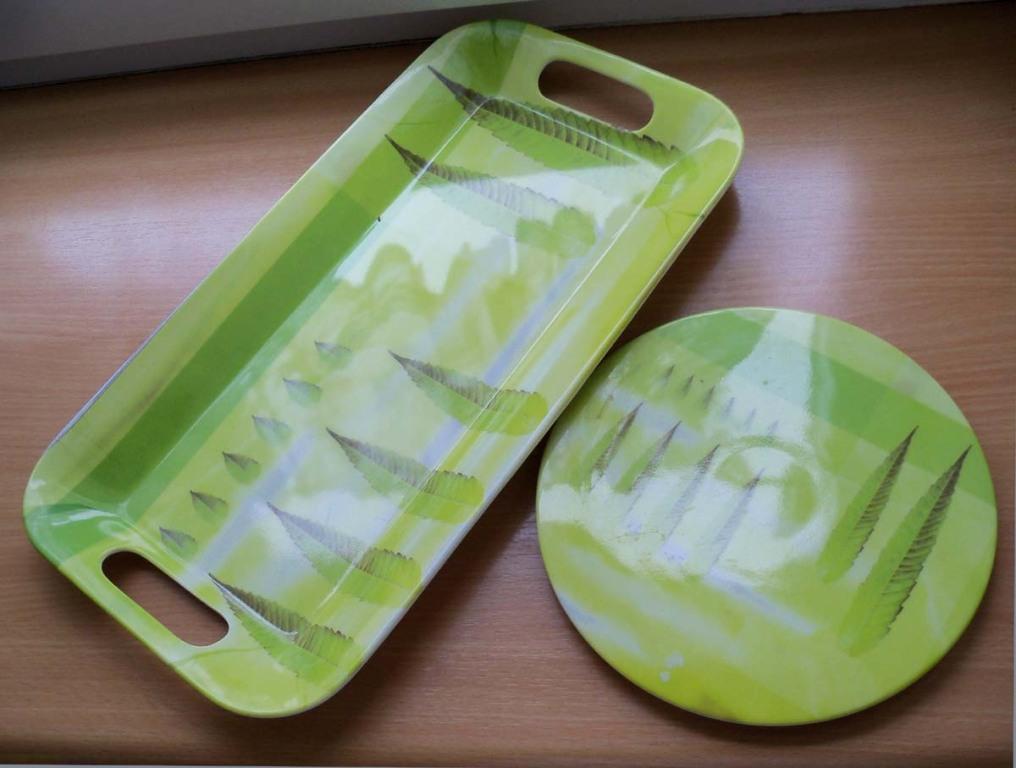 Komplet :: dwie plastikowe atrakcyjne tace
