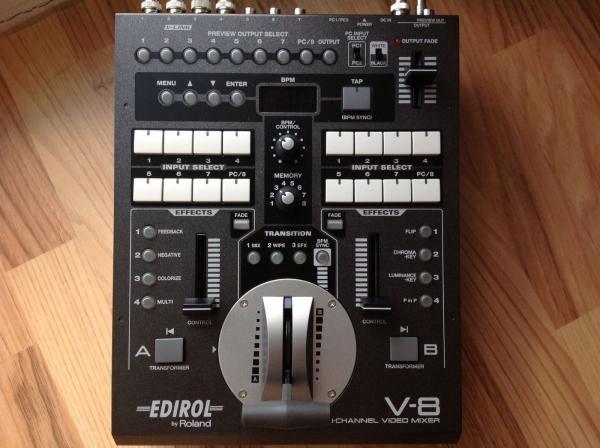 Roland EDIROL v8 mixer video 8 kanałowy