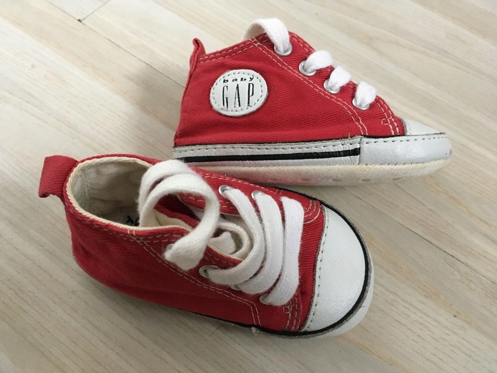 TRAMPKI tenisówki GAP BABY 0-3m czerwone 10cm