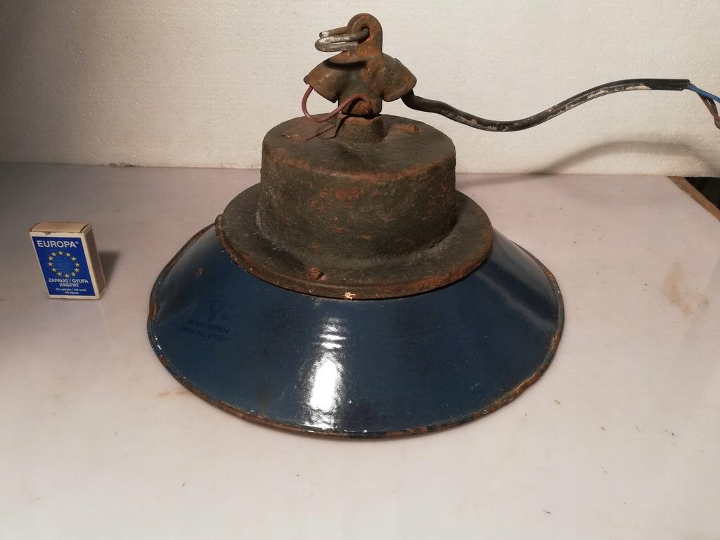 stara emaliowana lampa przemysłowa PRL vintage 4