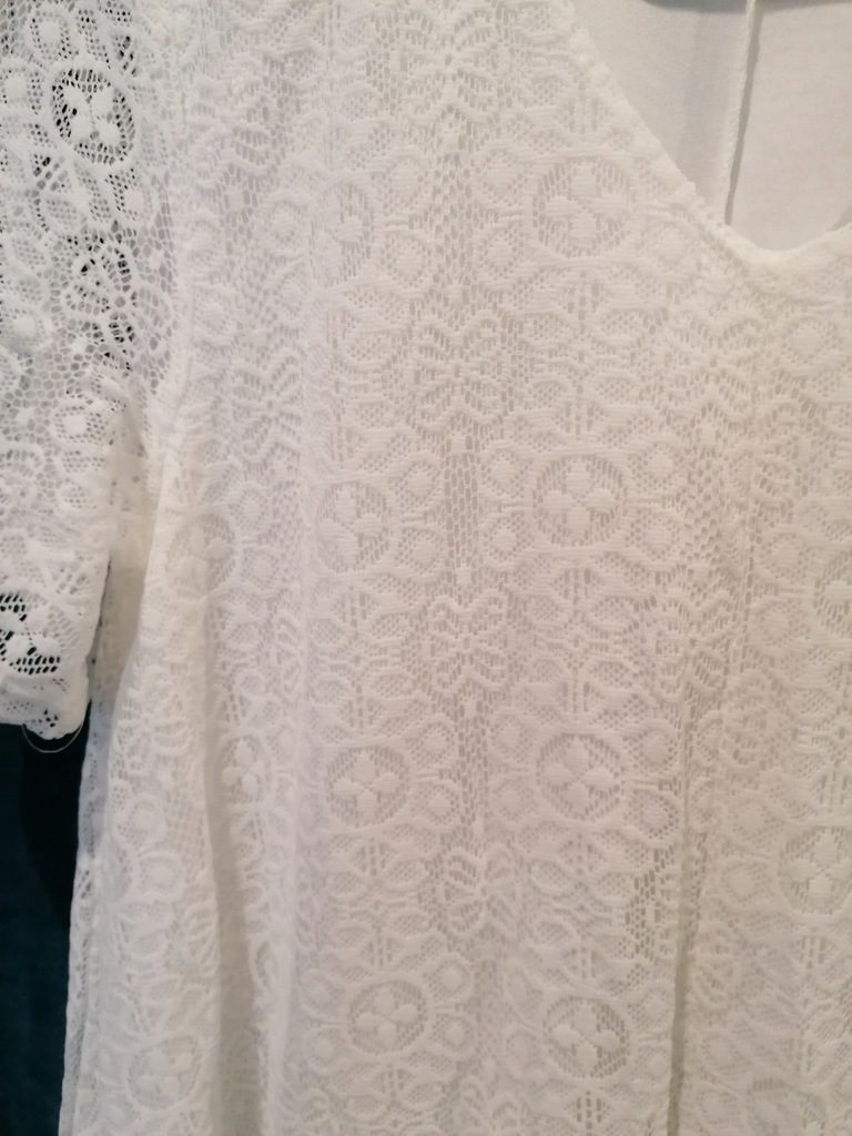 Sukienka koronkowa biała BPC