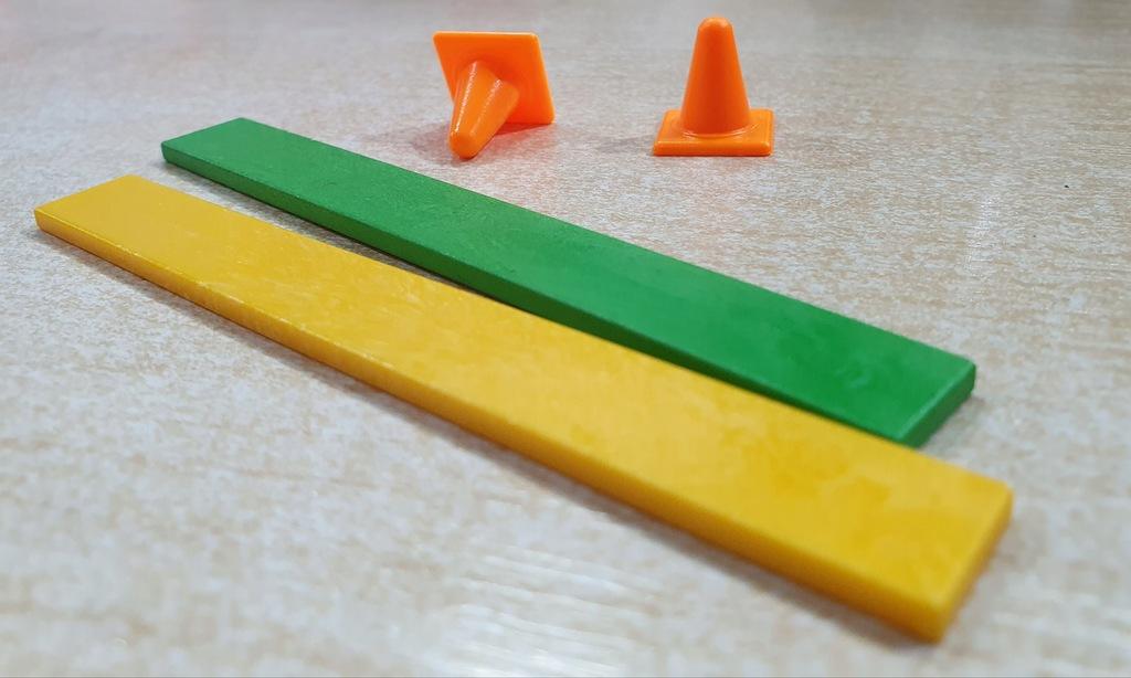 Playmobil pachołki 2szt i przeszkody